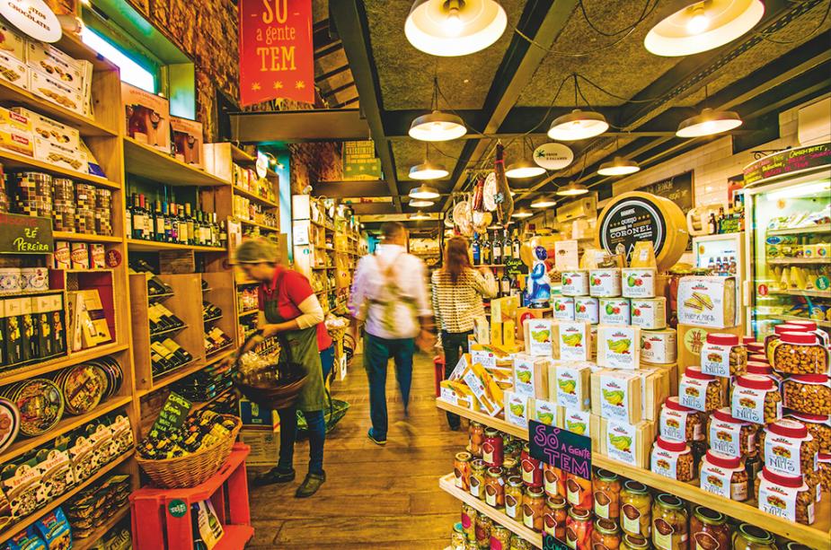 Azeites, massas, molhos, chocolates, biscoitos, embutidos e queijos garimpados no Brasil e no exterior integram o catálogo de mais de 5000 itens