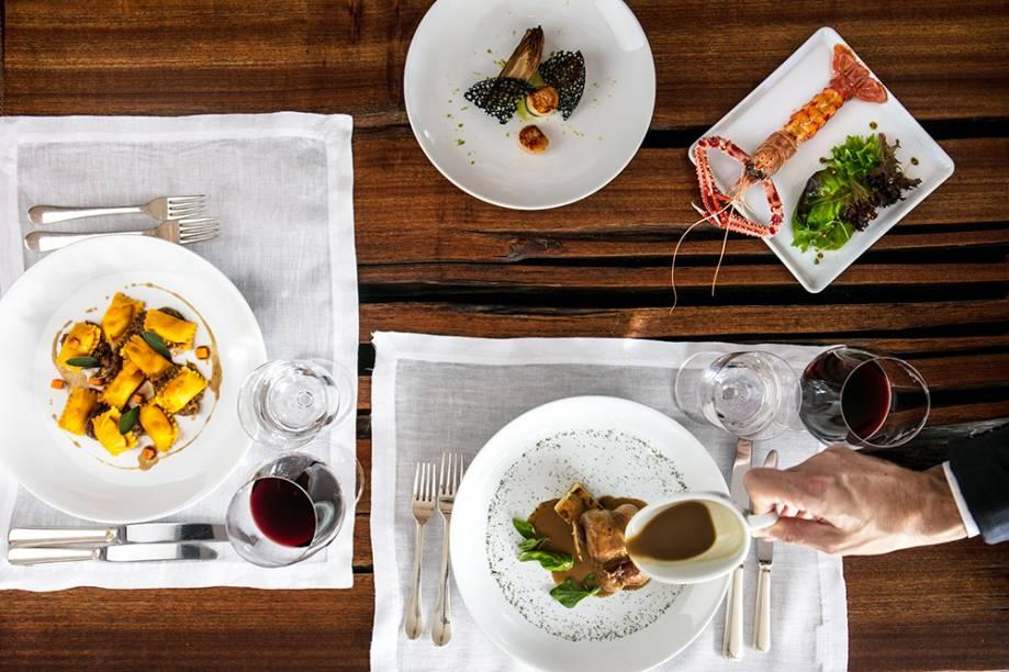 Vieira, endívia e azeite de salsa (à esq.): entrada para a codorna recheada de pão de especiarias com polenta e molho de foie gras (acima) no menu de criações do chef