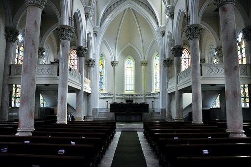 O estilo gótico nascido na Europa foi usado para adornar a imensa catedral<br>