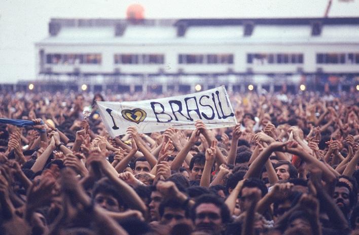 O público entusiasta do primeiro festival de rock no Rio<br>