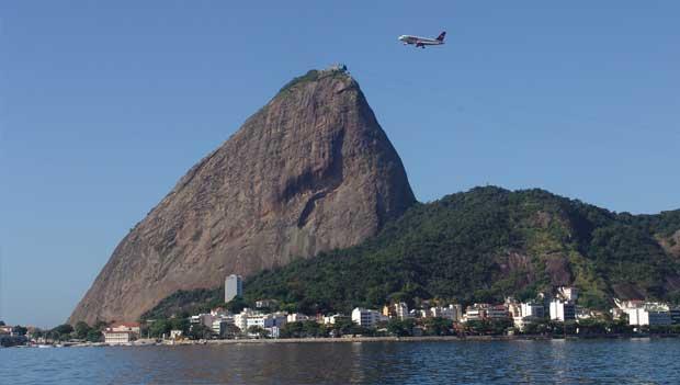 O Pão de Açúcar visto da Enseada de Botafogo<br>
