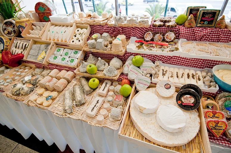 O maître fromagier Gérard Poulard oferece 80 tipos diferentes para degustação no Rio Othon Palace<br>