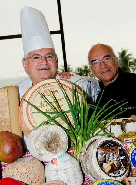 O maître fromagier Gérard Poulard e o chef Jean Yves Poirey, no Rio Othon Palace<br>