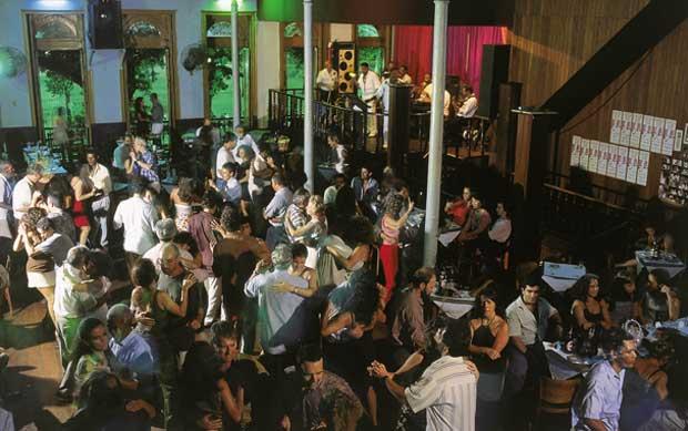 Tradicionalíssima casa de dança, foi fundada em 1928, quando a vida boêmia do Rio se concentrava na praça Tiradentes<br>