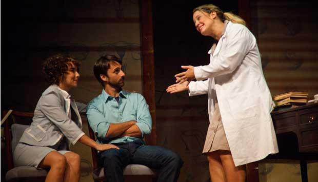 Em cartaz no teatro João Caetano, traz Tadeu Aguiar e Sylvia Massari em elogiada atuação<br>