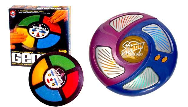 Lançado em 1980, o Genius foi o primeiro jogo eletrônico vendido no Brasil. O jogo consistia em memorizar uma sequência de cores e sons do brinquedo e repeti-la. O Simon Trickster é bem parecido, mas conta com três novas opções de jogo que aumentam o desa<br>