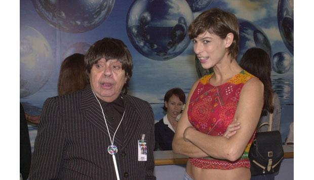 Em 2002, gravou quadro ao lado de Maria Paula no programa Casseta e Planeta Urgente interpretando o personagem Bozó<br>