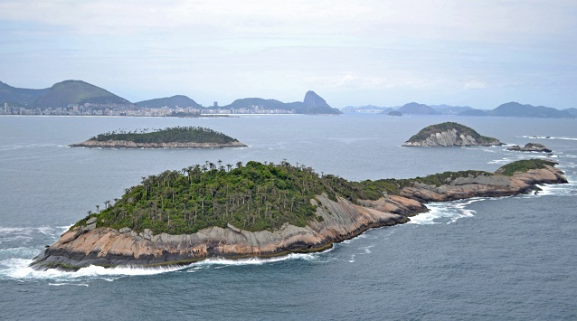Imagem aérea do Arquipélago das Cagarras, formado pelas ilhas Comprida, Redonda e Cagarra<br>