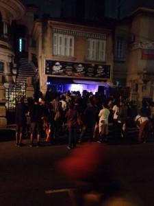 Casa cheia na noite do Beach Combers: recorde de público até agora