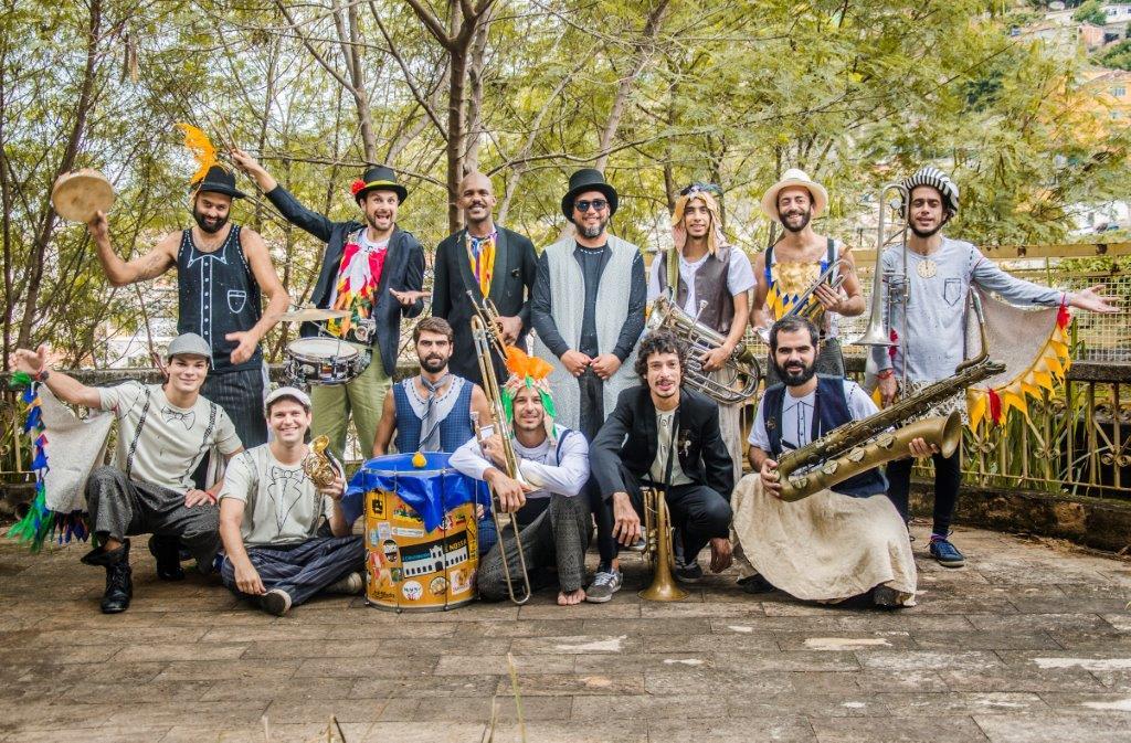 Os músicos: sucesso no Carnaval, a orquestra estreia diante do público infantil