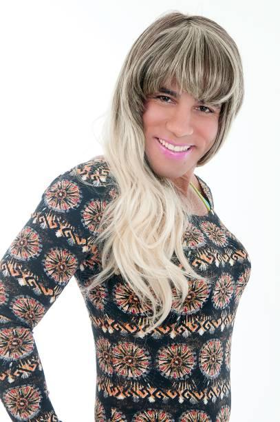 Rodrigo Sant'anna caracterizado em Comício Gargalhada — Segundo Turno: comediante encarna diversos personagens estranhos em busca de votos