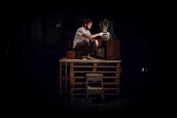 Elmano Sancho em Misterman, uma das peças do festival (crédito: Alípio Padilha)