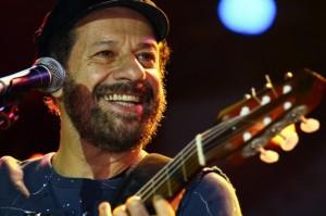 """João Bosco: na Caixa Cultural, de sexta (18) a domingo (20), nova escala de sua """"turnê eterna"""""""
