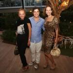 A estilista aniversariante Lenny Niemeyer, o promoter Diógenes Queiroz e a socialite Andrea Dellal
