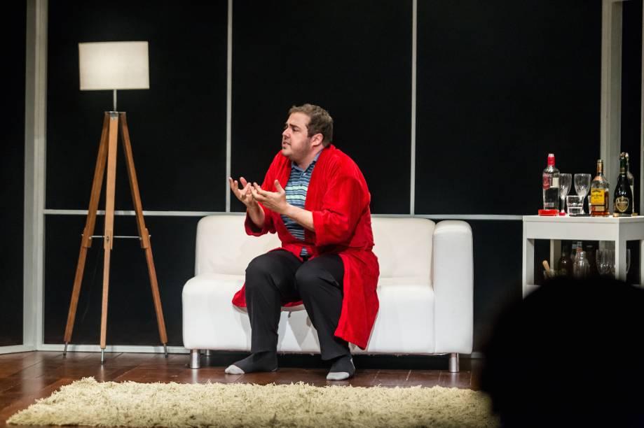 Fernando Ceylão: se multiplicando em vários tipos na comédia Meu Nome É Reginaldson