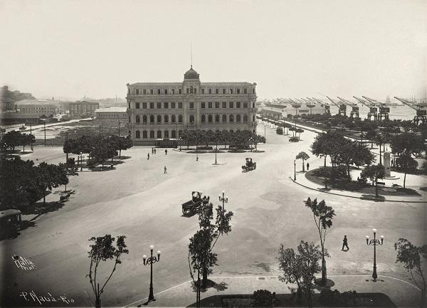 A Praça Mauá por Augusto Malta: foto de 1921