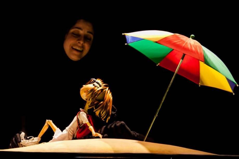 O Som das Cores: a montagem mostra a trajetória da menina Lúcia, que tem de enfrentar medos e inimigos após perder a visão