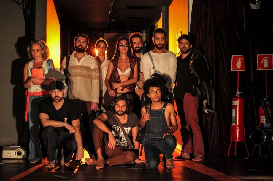 Próxima Parada: dramaturgia construída a partir da vida e da obra dos autores José Vicente e Antonio Bivar