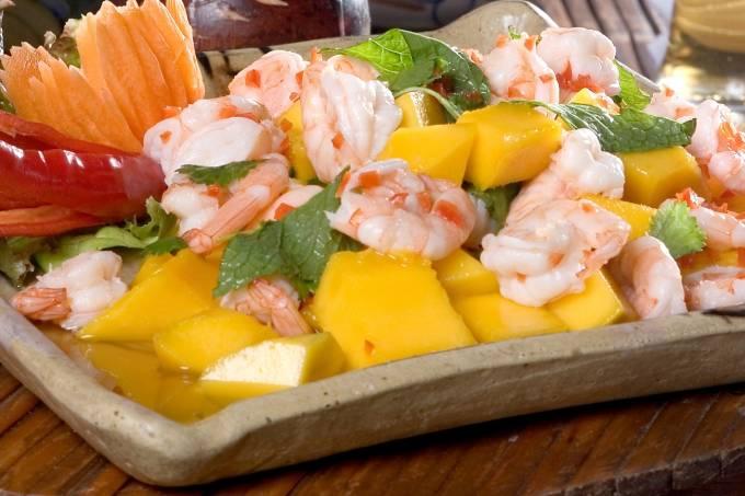 salada-de-camar%c3%a3o-com-manga_nam-thai-2_baixa