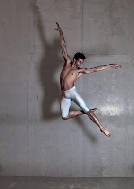 Thiago Soares em ação: um dos mais renomados bailarinos brasileiros