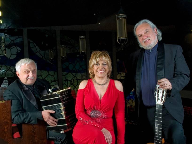 Daniel Binelli, Polly Ferman e Eduardo Isaac: caminhos do tango