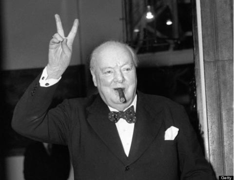 Winston_Churchill_drinking_Globex_Shop_Melnik_Helicium_large