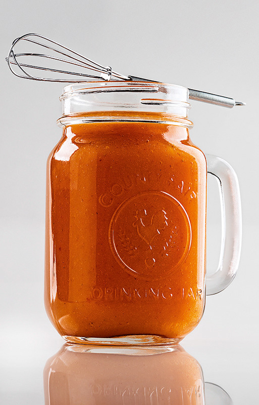 Suco colágeno: manga, morango, laranja e tãmara
