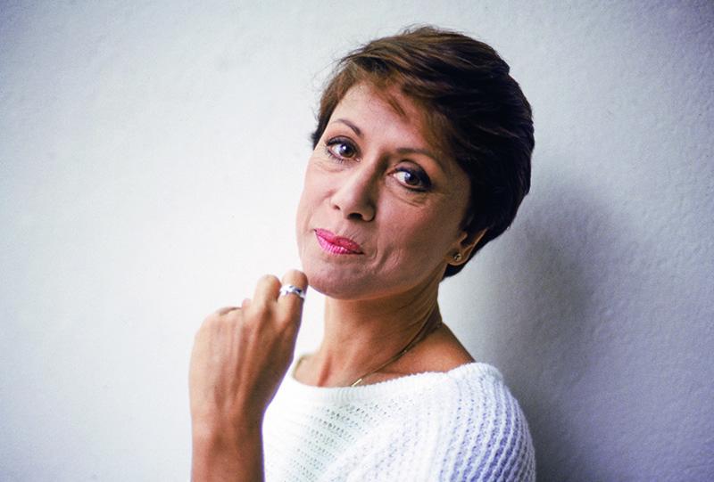 Dina Sfat. atriz.