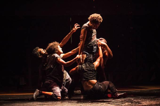 Cia. Fusion de Danças Urbanas em Pai contra mãe –  ©Pablo Ber