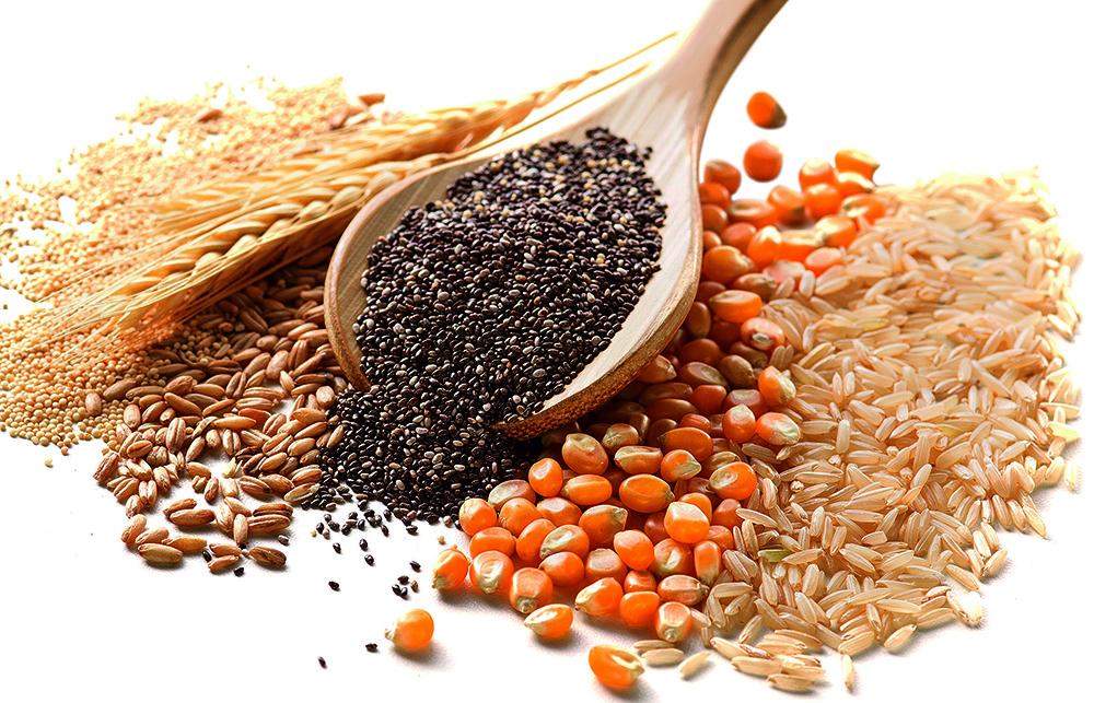 Grãos de quinoa, trigo, centeio, chia, milho e arroz