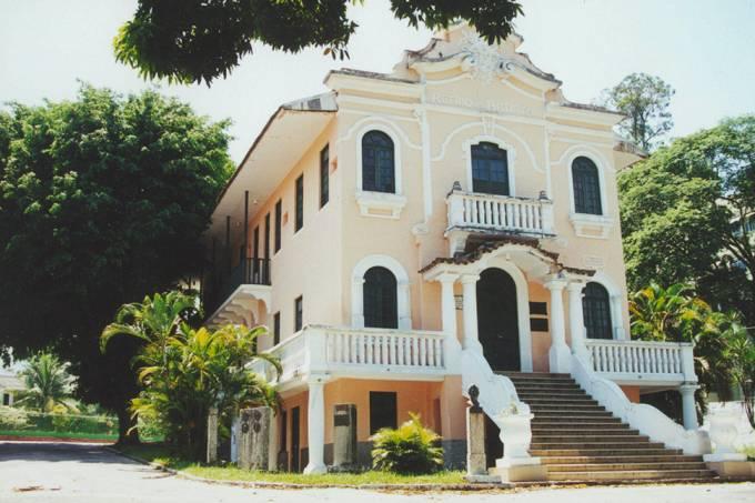 fachada-do-retiro-dos-artistas-em-jacarepaguacc81-_48051204