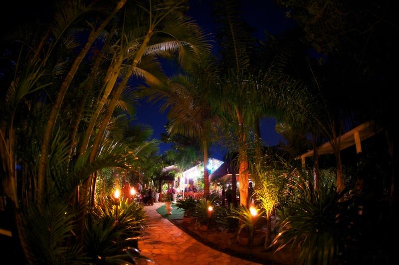 A entrada do restaurante laguna: recanto na Ilha da Gigoia