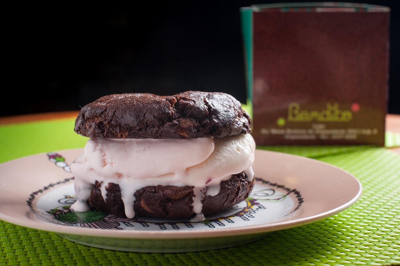 Sorete entre cookies da Bendito: dupla tentação