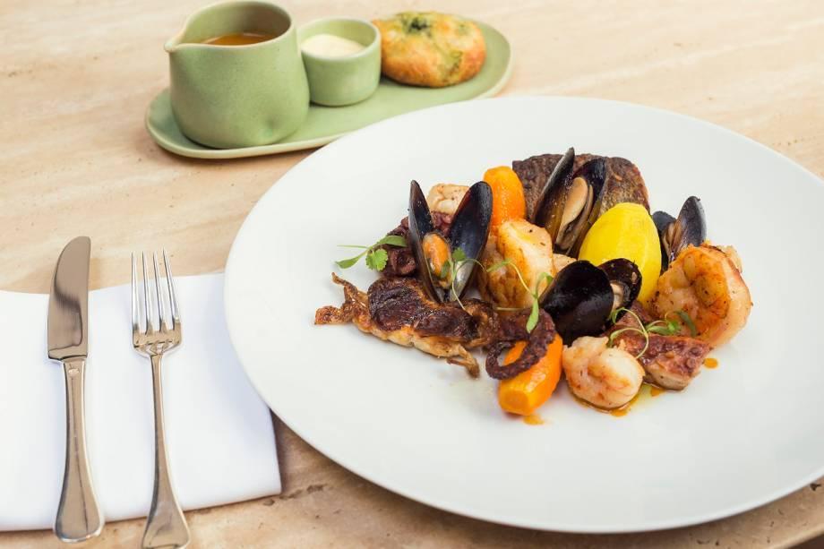 Do mar: prato é uma versão elegante da bouillabaisse