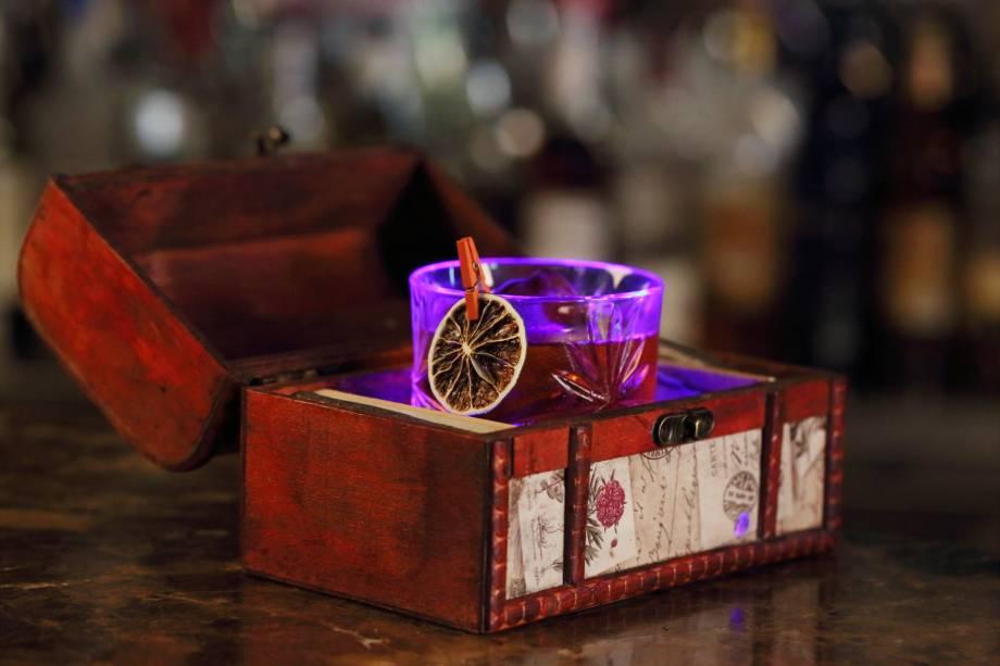 O surprise cocktail (R$ 47,00) é uma das criações de Daniel Milão para a casa no Flamengo