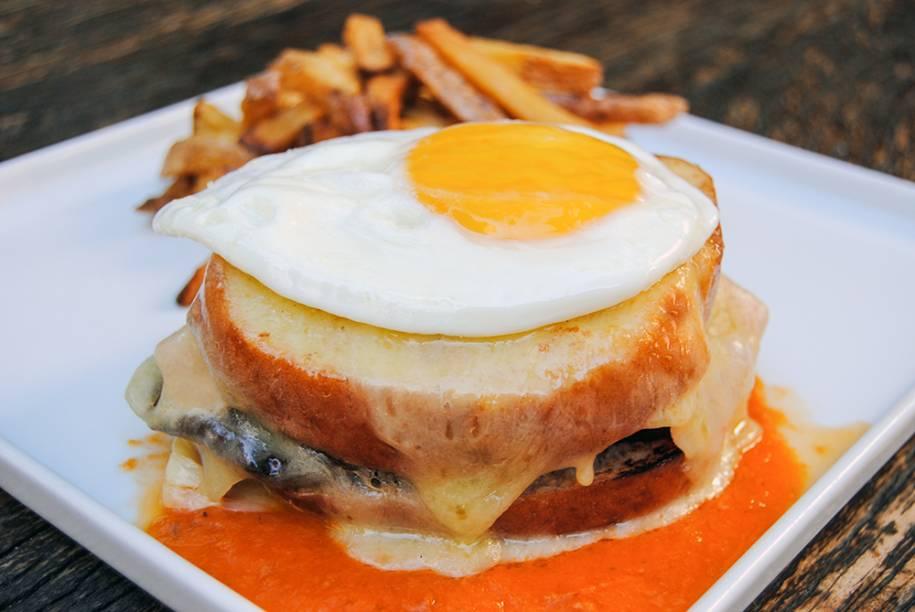 Francesinha: o sanduíche típico do Porto é uma das novidades desta edição