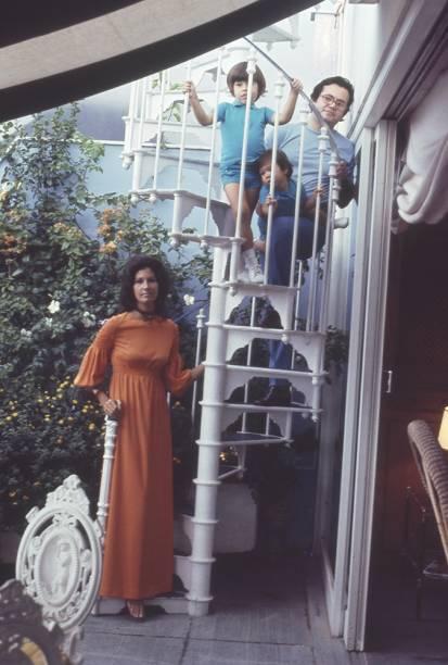 Ricardo Amaral com a esposa, Gisela, e os filhos, Rick e Bernardo. 1971