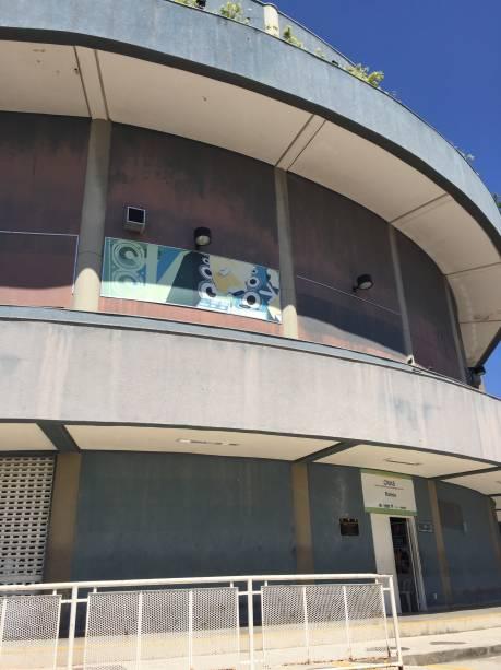 Painéis que antes indicavam os projetos sociais que funcionavam na Estação Palmeiras agora estão vazios