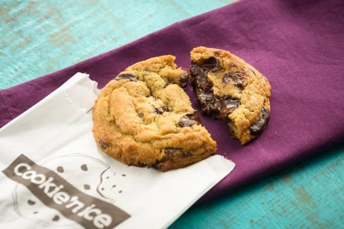 Cookie'n Ice; baunilha com chocolate