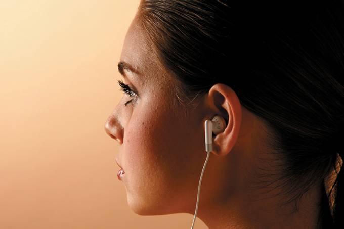 Mùsica muita alta: problemas auditivos, segundo estudo