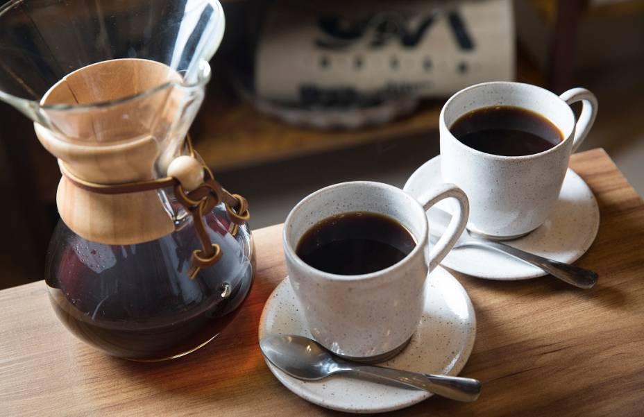 Café coado na Chemex: seis doses