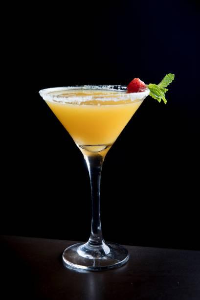 Citric momo: vodca Citron, suco de grapefruit, cardamomo e borda de sal (R$ 23,00)