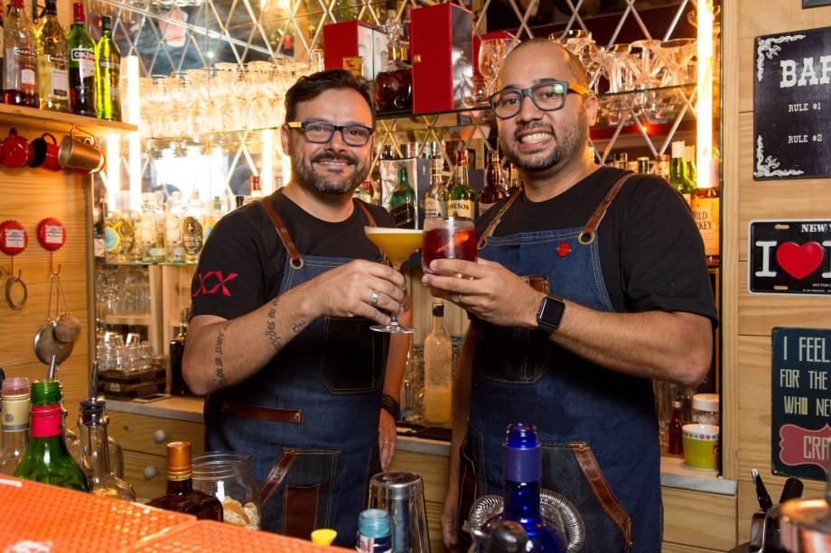 Lelo Forti e Alex Miranda: os anfitriões