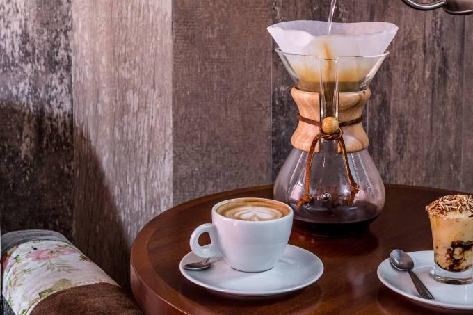 1 LUGAR – CAFÉ PARADISO – TOMÁS RANGEL