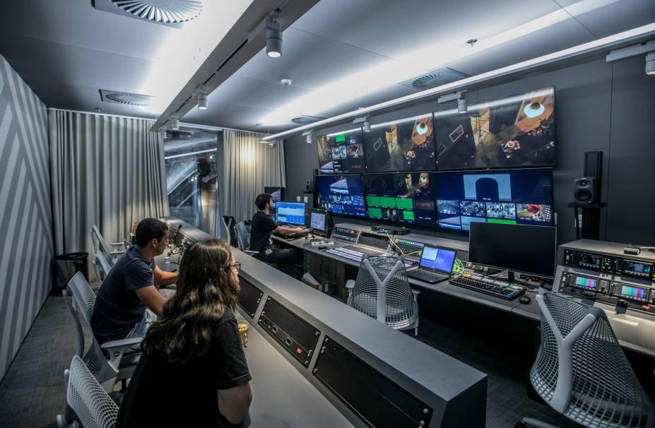 YouTube Space: sofisticada sala de controle de áudio e imagem