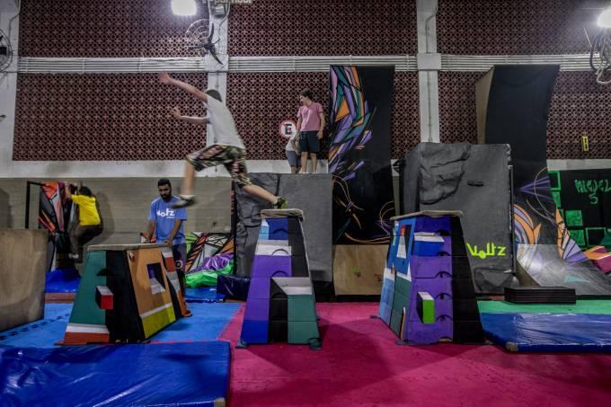 Voltz Parkour: espaço especializado na atividade