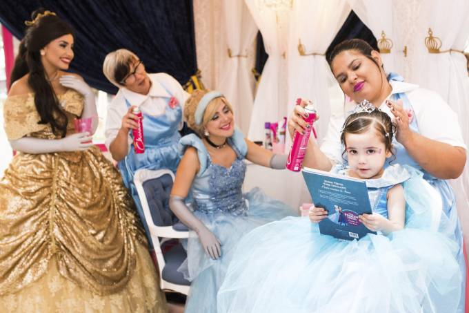 Lia Freitas Espaço Real – salão infantil, princesas