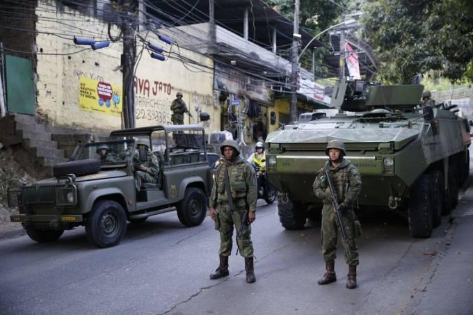 Rocinha forças armadas