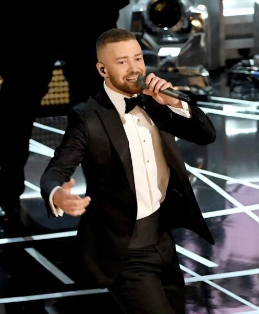 Justin Timberlake: água Fiji (extraída de um aquífero protegido por rochas vulcânicas)