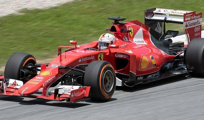 Sebastian_Vettel_2015_Malaysia_FP2_3
